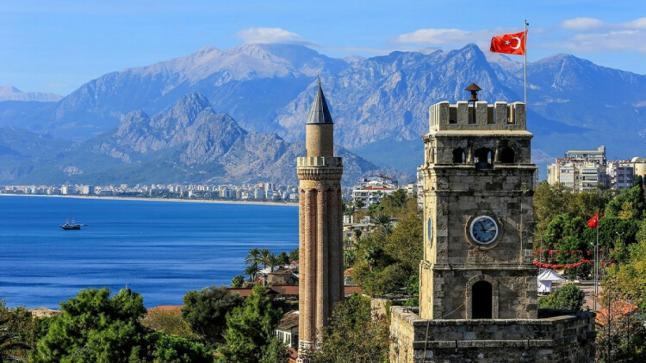 السياحة التركية في ورطة بسبب كورونا.. وتصريحات وزير الصحة تثير الجدل